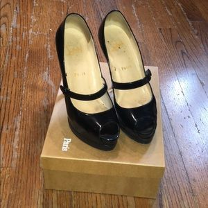 Black size 37 Christian Louboutin  heels